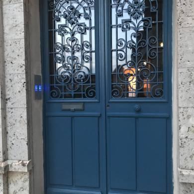 Porte Double Avec Grille Et Boite Aux Lettrescrypte 2